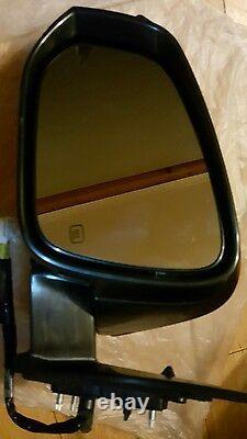 14-18 TOYOTA Highlander side view door mirror signal light heated OEM