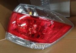 Oem Toyota Highlander Tail Light Passenger Side 81550-0e070 Fits 2010-2013